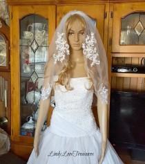 wedding photo - Lace Applique Veil, White Veil, Ivory Veil, Wedding Veil, Bridal Veil, Lace Trim Veil, Fingertip Veil, Veil, Lace Wedding Veil, Wedding Veil