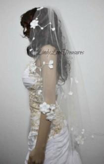 wedding photo - 3D Flower White Wedding Veil, Wedding Veil, Bridal Veil, Lace Trim Veil, Fingertip Veil, Veil, Lace Wedding Veil, Wedding Veil