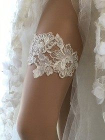 wedding photo - Bridal lace garter, wedding garter, Garter, White garter, pearl garter, Rustic Garter,