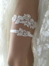 wedding photo - Bridal lace garter, wedding garter, Garter set, ivory garter, pearl garter