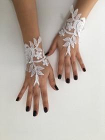 wedding photo - Ivory or white Wedding Gloves, Bridal Gloves, lace gloves, Handmade gloves, bride glove bridal gloves lace gloves fingerless gloves
