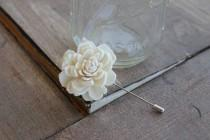 wedding photo - Cream Peti Sola Flower Pin, Ivory Lapel Pin, Sola Wood Flower Boutonniere, Small Flower Boutonniere, Small Flower Pin, Ivory Boutonniere