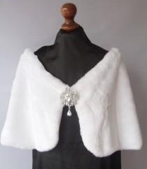 wedding photo - Winter Wedding Faux Fur with brooch, Capelet Bride's Cape  white or Ivory faux fur