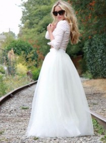 wedding photo - White Maxi Tulle Skirt/ Floor Length Tulle Skirt/ Wedding Skirt/ Long Tulle Skirt