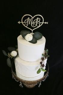 wedding photo - Custom Initial Wedding Cake Topper