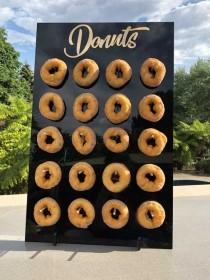 wedding photo - Donuts Stand