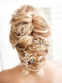 wedding photo - Bridal hair piece Babys breath headpiece Gypsophila hair accessory Wedding hair brooch Winter hair comb Pearl headpiece Hair vine Adornment