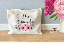 wedding photo - Personalized monogram makeup bag, makeup bag for bridesmaids, bridesmaid gift, cosmetic bag with name, monogram cosmetic bag, Floral bag