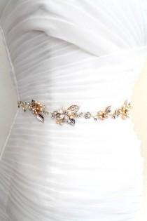 wedding photo - Gold or Rose gold Bridal Freshwater Pearl Leaf Vine Sash. Flower Crystal Boho Wedding Belt. Mother of Pearl Wedding Sash. PEARLESCENT
