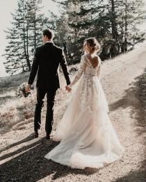 wedding photo - Her Hair And Dress