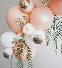 wedding photo - I Love The Glitter On The Balloons