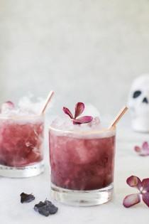 wedding photo - Purple Gin   Tonics
