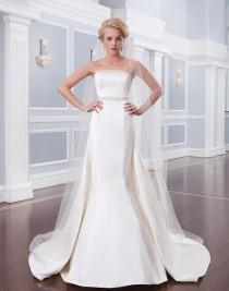 wedding photo - Satin Trumpet Gown With Strapless Neckline Is Accented With An Intricate Beaded Belt At The Waist #beaded #bride #belt #weddingdress #m…