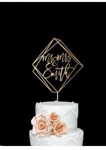 wedding photo - Geometric Modern Wedding Cake Topper Mr and Mrs Personalized Custom Name Wood Cake Topper with Last Name Rose Gold Wedding Decoration