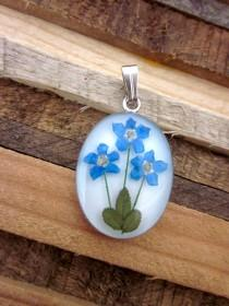 wedding photo - Forget Me Not Flower Pendant - Real Dried Flower Jewelry.          Naturally Beautiful for mom of 3, sisters, memorials, grandmother. Blue
