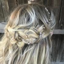 wedding photo - Delicate Gold Hair Vine, Pearl Hair Vine, Wedding Hair Accessory, Bridal Wreath, Wedding Hair Vine, Pearl Hair Crown
