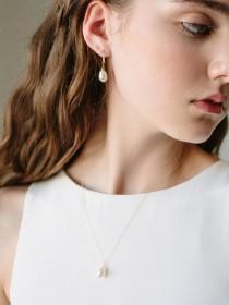 wedding photo - Pearl Drop Earrings