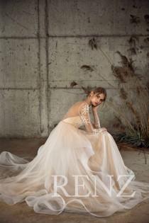 wedding photo - Wedding Dress Long Sleeve Lace Wedding Dresses Boho Off White Tulle Prom Dress Train Bridal Dress (LW213)