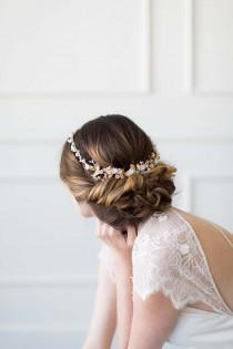 wedding photo - Gold Bridal Crown, Bridal Halo, Wedding Hair Accessory, Bridal Circlet, Gold Wedding Hair Piece, Wedding Headpiece - GUIRLANDE de FLEUR