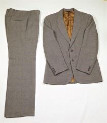 wedding photo - Vintage Glen Plaid Suit, Levis Action Suit, 40 R Jacket Blazer, 32 Waist Slacks, Brown Prince of Wales, Levi Sportswear, Mens Fashion, Style