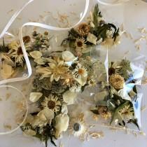 wedding photo - Real Dried Flowers, Wedding Confetti, Dried Flower Petals, Aisle Decorations, Petals, Wedding Decor, Flower Girl Basket, Biodegradable
