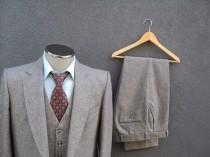 wedding photo - 1960s Custom Made Tweed Suit / 60s Vintage Three Piece Suit / Mad Men / 3 Piece Gray Tweed Suit Size 40R / Medium / Med / Vintage Wedding