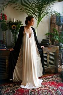 wedding photo - Reversible Satin Robe Two Tone Two Color Bridal Robe Black Wedding Robe Champagne Satin Robe Bridal Lingerie Wedding Lingerie Sleepwear