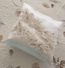 wedding photo - Wedding Garter,Bridal Garter Ivory,Champagne garter,Garter White Garter,Wedding Garter White,Lace Garter,Garter Set light Ivory,garter Ivory