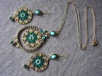 wedding photo - Long Green Indian Bridal Pendant And Earrings Set
