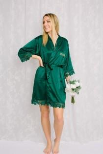 wedding photo - Green Bridesmaid Robes, Bridesmaid gifts, Satin Lace Robes, Bridal Robes, Robe for Bride, Getting Ready Robe, Bridal Party Robe