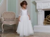 wedding photo - Ivory Flower girl dress Junior bridesmaid dress Lace flower girl dress tulle Christmas dress White baby dress Girl dress pattern Tutu dress