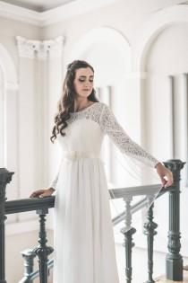 wedding photo - Wedding veil, Simple bridal veil, Soft English tulle veil, Elbow, Waist, Fingertip, Waltz, Floor,  Chapel, Cathedral, Narrow veil - JANE