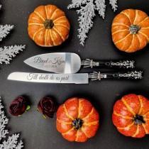 wedding photo - gothic wedding cake cutting set,  black wedding cake server set, skeleton wedding cake knife server, halloween wedding cake cutting