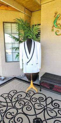 wedding photo - Men's White Vintage Tuxedo Jacket. The Formal Wear Collection by Raffinati Made in U.S.A. Beautiful Jacket White with Black Trim. Size 50 L