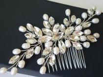 wedding photo - Crystal Pearl Bridal Hair Comb, Wedding Crystal Sparkly Headpiece, Bridal Crystal Hairpiece, Pearl Crystal Floral Comb, Wedding Hair Jewelry