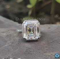 wedding photo - Emerald Under Halo Engagement Ring