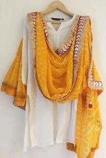 wedding photo - Jaipuri Rajasthani Women Silk Bandhani Bandhej  Heavy Dupatta with Gota Work and latkan yellow colour bridal dupatta