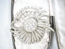wedding photo - Vintage 1940s HaiR CoMB/Wedding Dress Sash Brooch, Round Bridal Headpiece, Art Deco Silver Pave Rhinestone Flapper Jewelry Atomic 1950s