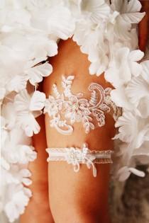 wedding photo - Wedding Garter Set Bridal Garter - Ivory Lace Garters - Keepsake Garter Toss Garter Wedding Gift Bridal Shower Gift Vintage Inspired Garter