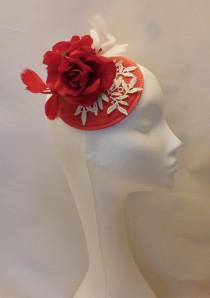 wedding photo - Fascinator hat 40s50s Red Hat fascinator #Red  Feather hat fascinator   Race,Cocktail hat, Ladies day,Ascot hat Red White feather flower hat