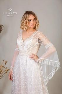 wedding photo - Boho Plus Size A Line Sparkle Wedding Dress Bridal Gown Champagne Long Bell Sleeve Lace V Neck Fringe