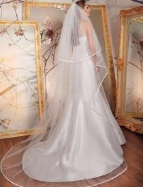 wedding photo - Satin Ribbon Edge Bridal Veil Wedding white, ivory veil, Wedding veil bridal Veil Fingertip Cathedral Chapel Waltz length veil bridal veil