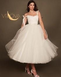 wedding photo - Tea Length Wedding Dress with Straps, Short Wedding Dress Tulle Ball Gown