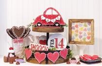 wedding photo - Valentine's Day Tiered Tray Set