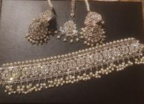 wedding photo - Pakistani jewelry choker set  silver polish pearl beads earrings tikka wedding party