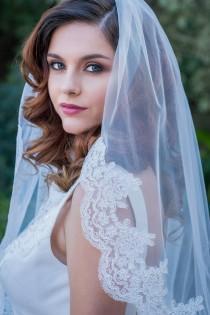 wedding photo - Lace Edge Veil