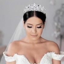 wedding photo - RENEE Swarovski Bridal Tiara, Wedding Crown, Bridal Tiara, Swarovski Crystals Tiara, Wedding Headpiece, Gorgeous Wedding Crown