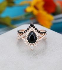 wedding photo - 2PCS Pear shaped Black onyx engagement ring set Unique Art deco Rose gold engagement ring vintage Curved wedding Anniversary gift for women