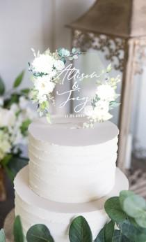 wedding photo - Wedding Cake Topper Clear Acrylic Floral Personalized Cake Topper Wedding Decor with Names Modern Classic Cake Topper (Item - CHR949)