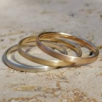 wedding photo - 2 mm alliance, 18K gold, fine ring, simple very fine stackable wedding ring in minimalist style.